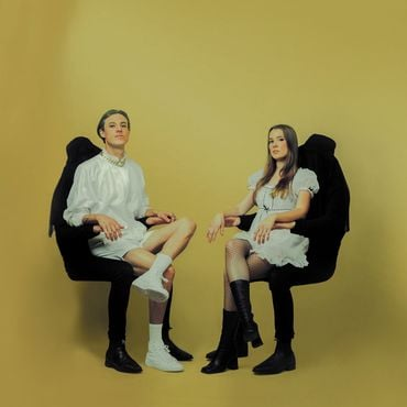 Confidence man confident music