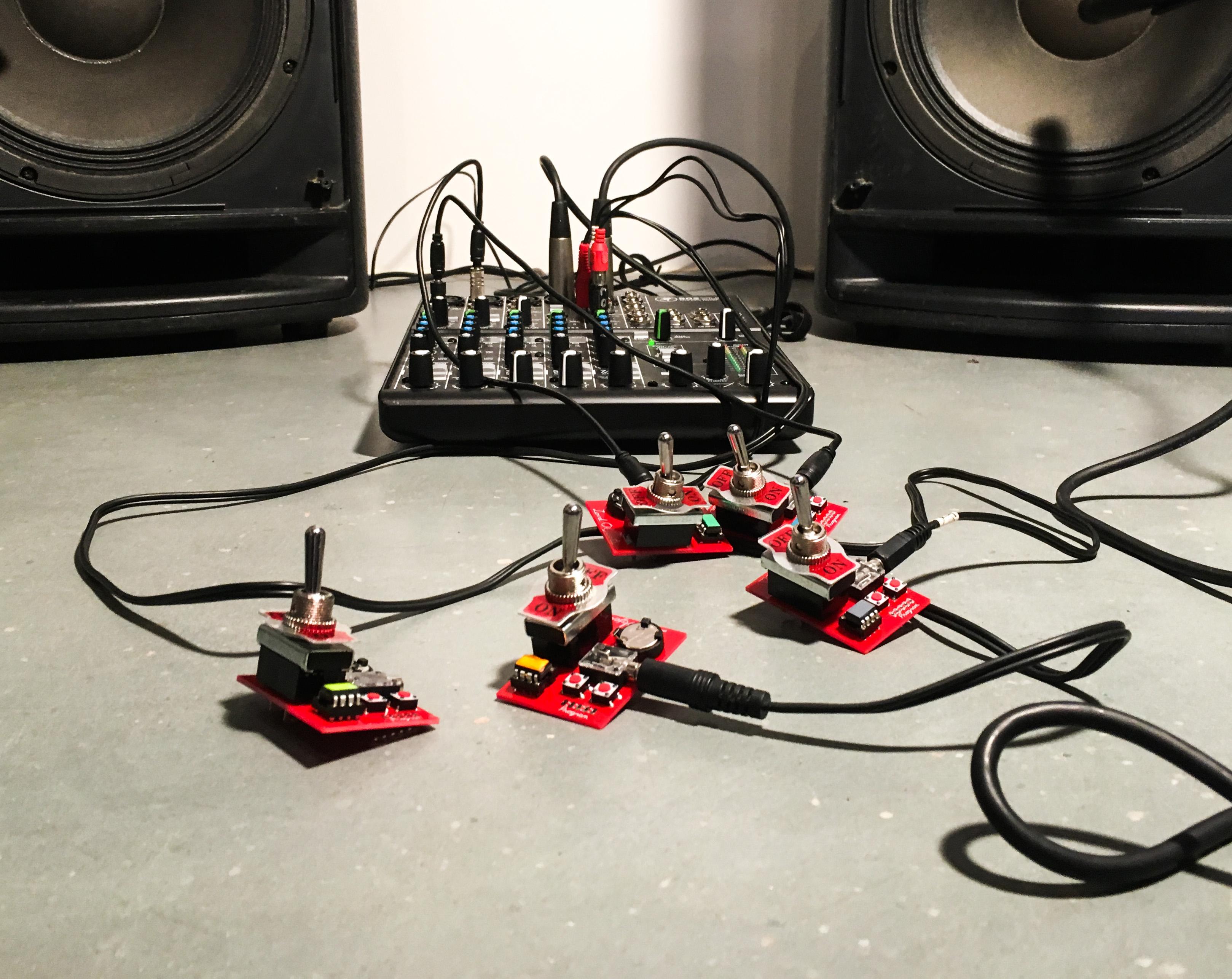 Loud objects noise toy 2
